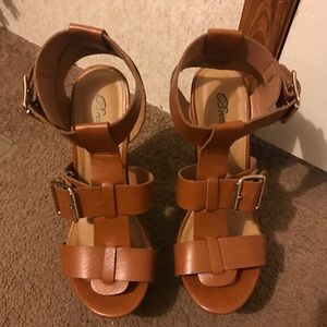 Brown Leather Block Heels Size 6 💕